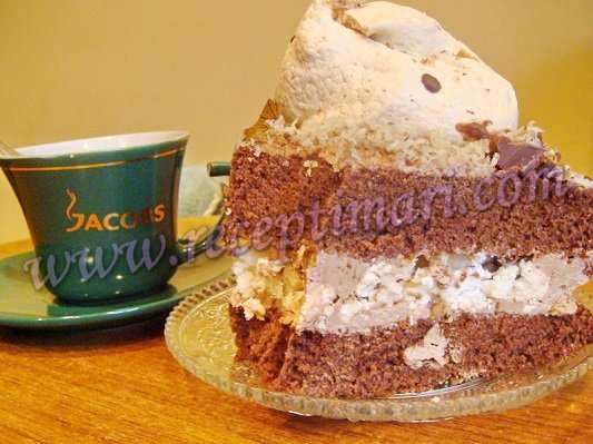 Шоколадный торт Сникерс