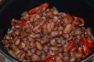 Свинина с фасолью в томатном соусе-5