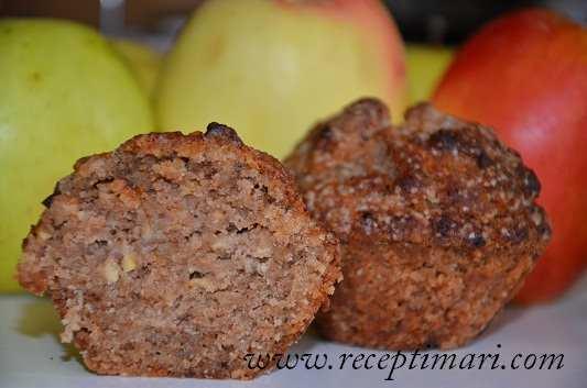 Кексы с яблоками и орехами