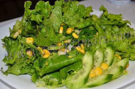 зеленый салат с кукурузой