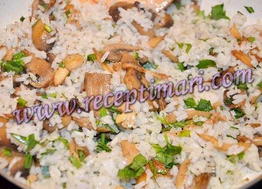 шампиньоны с рисом
