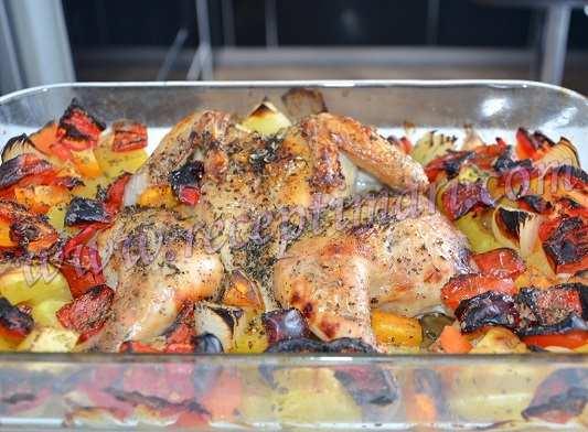 как запечь курицу с овощами