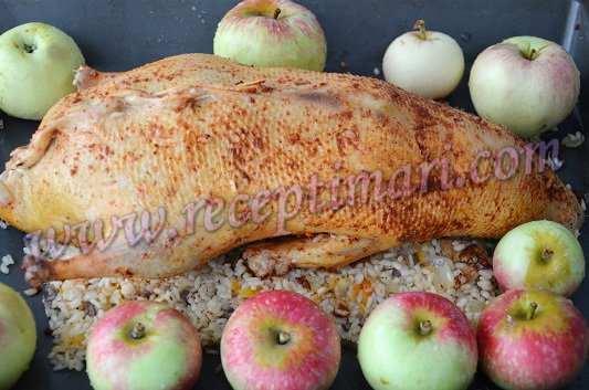 утка в духовке с яблоками