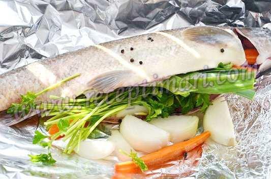 запечь рыбу с овощами