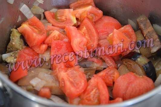добавить помидоры