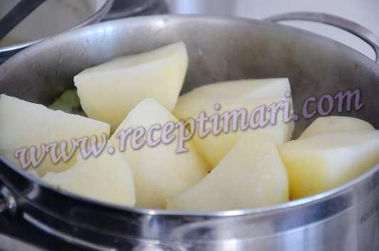 к овощам добавить готовый картофель