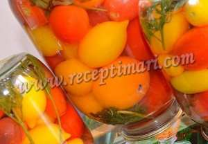 Помидоры консервированные. маринованные помидоры с морковной ботвой