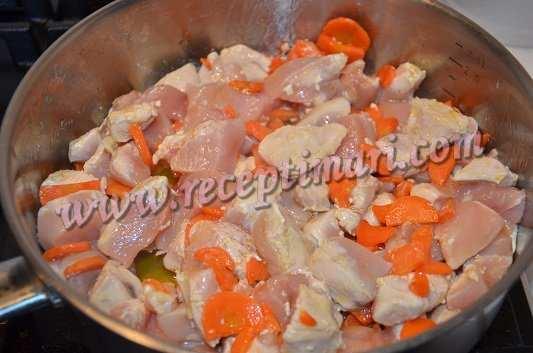 к морковке добавить лук