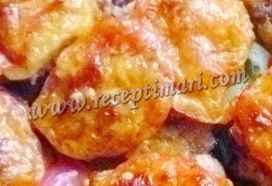 свиные отбивные с сыром и помидорами