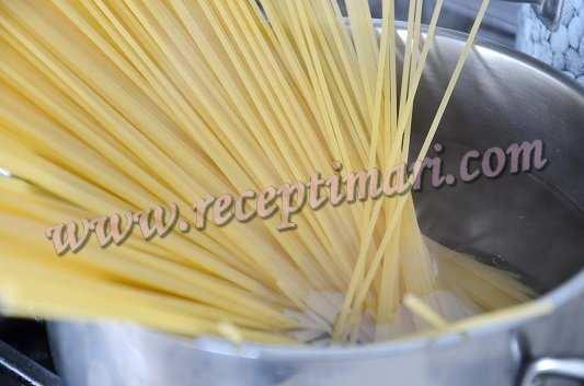 отварим спагетти