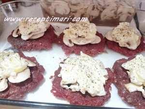 говяжий фарш с грибам и майонезом