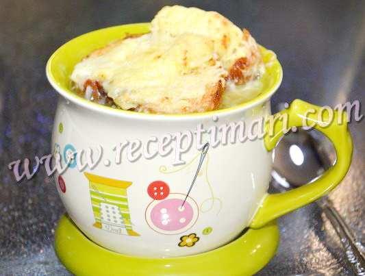 луковый суп с сырной корочкой