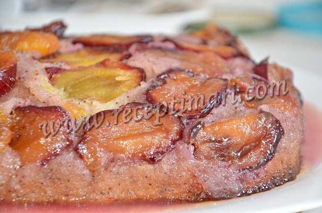 перевернутый пирог из слив
