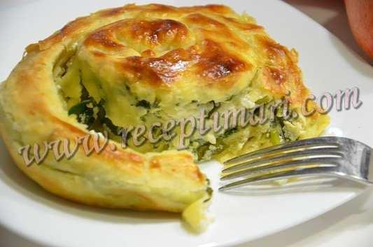 пирог улитка со шпинатом и сыром