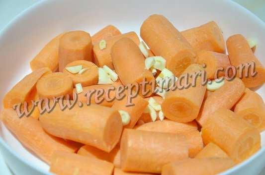 к моркови добавить чеснок