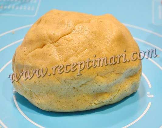 замесим тесто для имбирного печенья