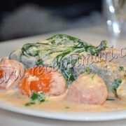 лосось со сливочным шпинатом