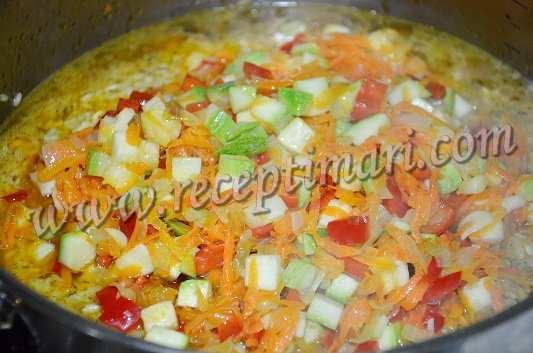 добавим овощи к рису