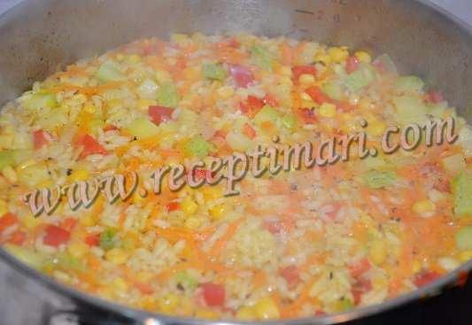 готовый рис с овощами