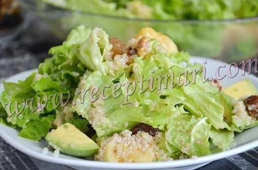 салат из киноа и авокадо
