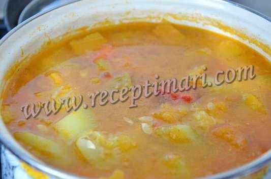 отварим овощи для супа из тыквы и кабачка