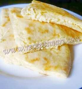 тонкие хачапури на мацони на сковороде