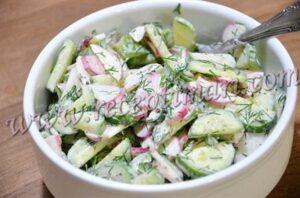 вкусный легкий салат из огурца и редиса