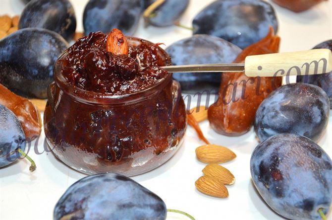 Сливовый джем без сахара с шоколадом и орешками